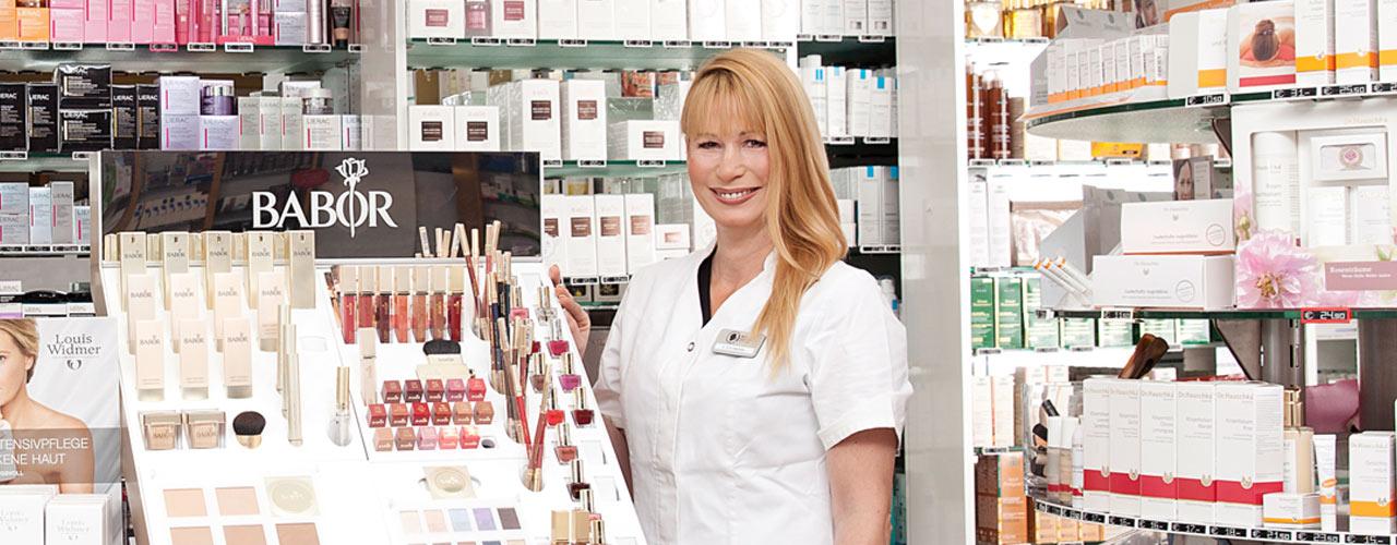 Beratung und Verkauf in der Mohren-Kosmetik
